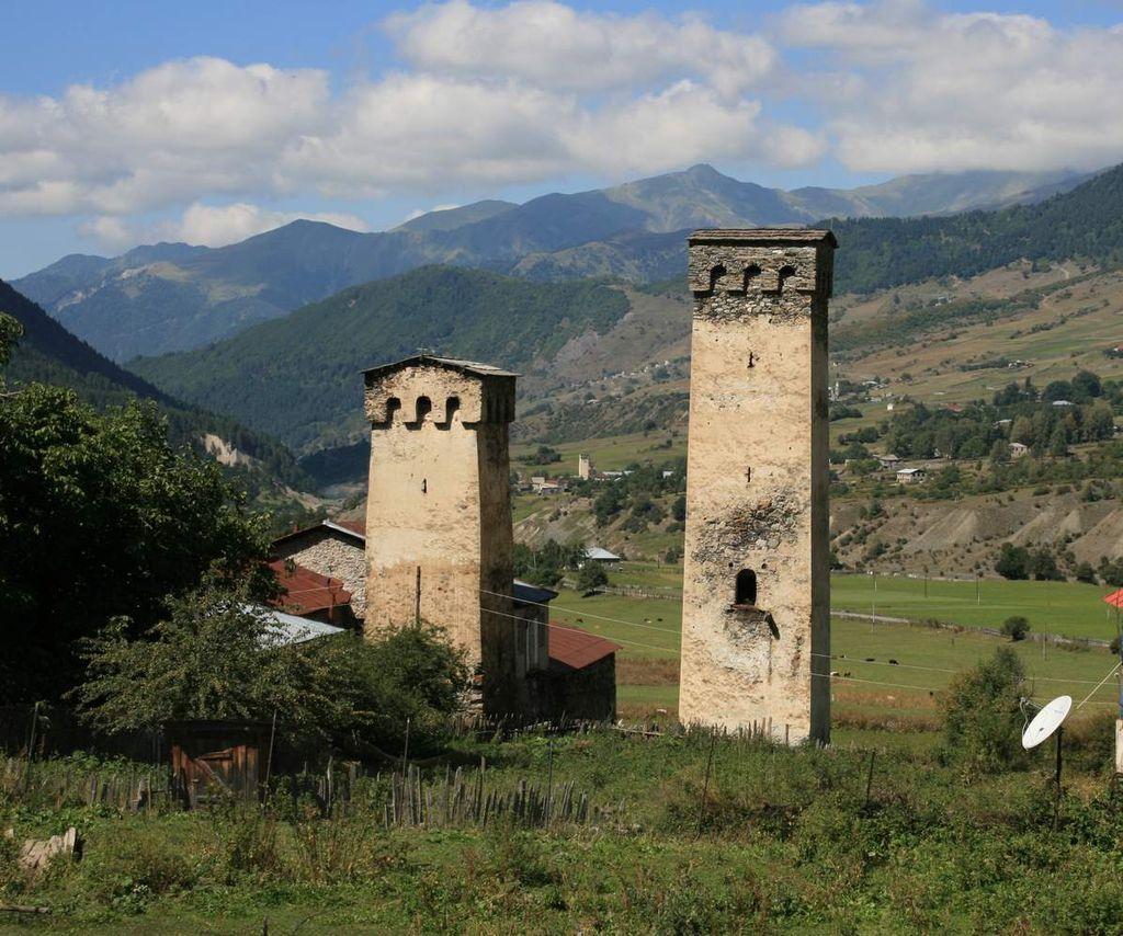 Mulakhi Community Svan Towers